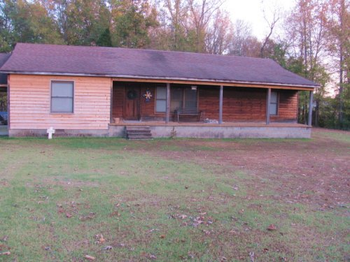 Cedar Sided House On 3 Acres : Gleason : Weakley County : Tennessee