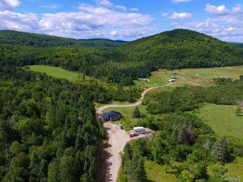 Gatineau Hills 200 Ac Organic Farm : Low : Canada
