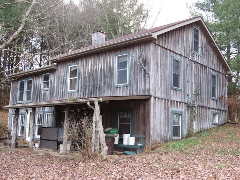 Rustic Home & Barns On 50 Acres M/L : Columbia : Adair County : Kentucky