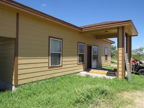 Cow Creek Ranch House : Brackettville : Kinney County : Texas