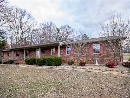 One Level Home In The City : Morristown : Hamblen County : Tennessee