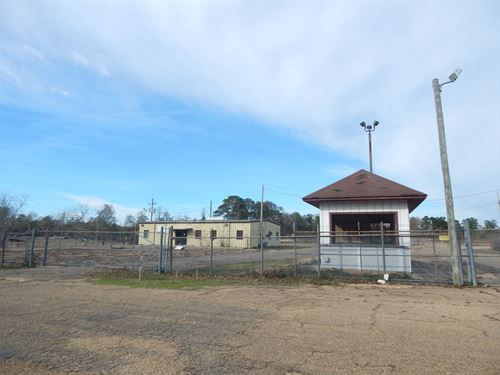 Metal Building On 13.72 Acres : McComb : Pike County : Mississippi
