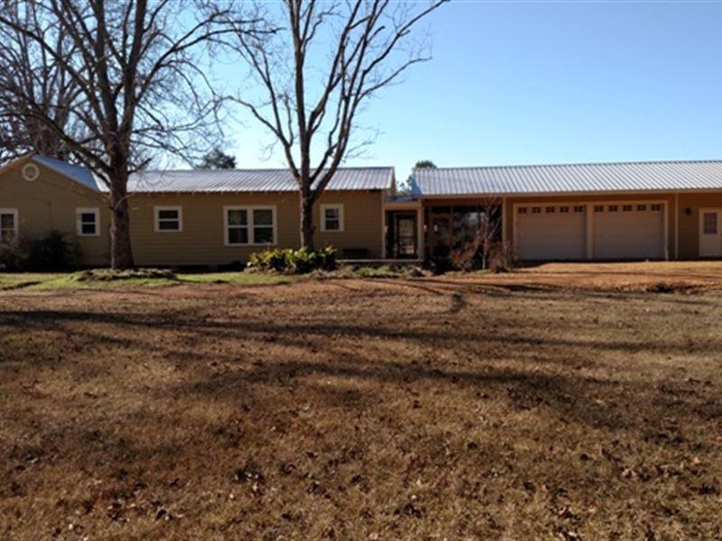4Bd/3Ba Home On 6.4 Ac Oktibbeha Co : Sturgis : Oktibbeha County : Mississippi