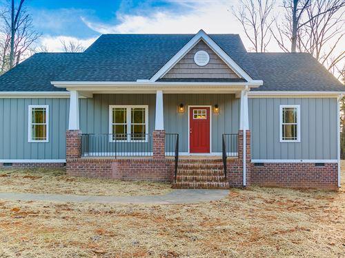 New Home On 5.38 Acres : Goochland County : Virginia