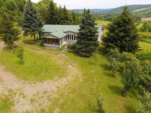 47 Acre House Building Berkshire Ny : Berkshire : Tioga County : New York