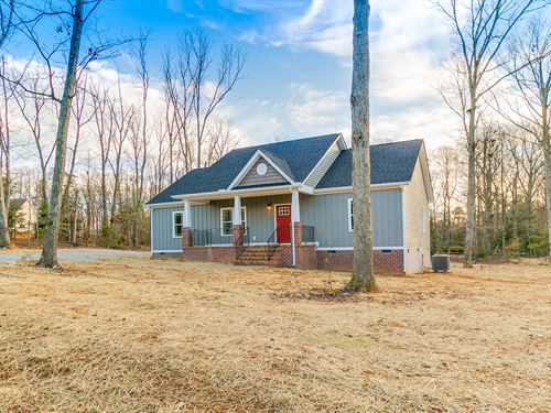 New Home On 10.73 Acres : Powhatan : Virginia