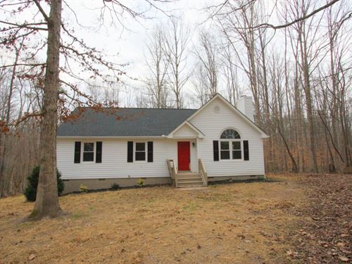 Cozy Home On 3 Acres : Powhatan : Virginia