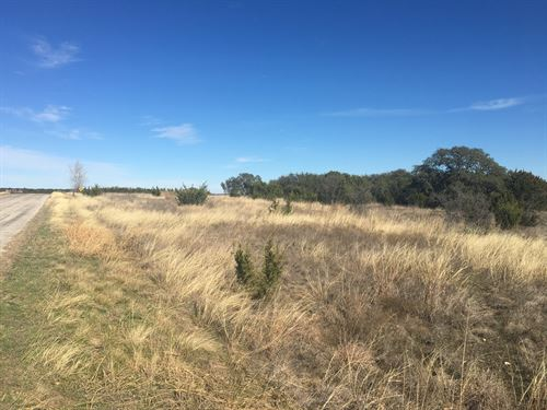 1+ Acre Scenic Mountain Lakes Lot : Bluff Dale : Erath County : Texas