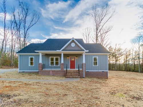 New Home On 9+ Acre Lot : Goochland County : Virginia