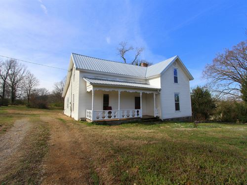 Lovely Vintage Farm House On 4 Acre : Williamsport : Hickman County : Tennessee