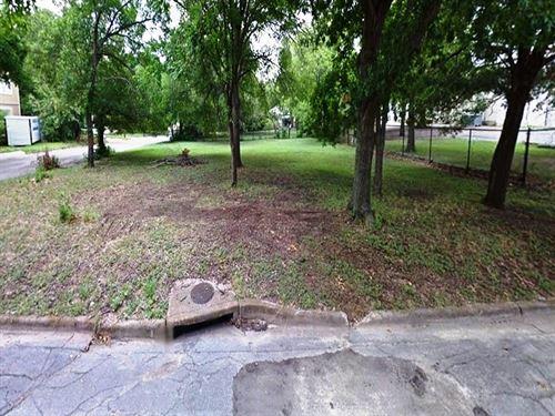 Sealed Bid Auction Of 0.4 Acre Lot : Waxahachie : Ellis County : Texas