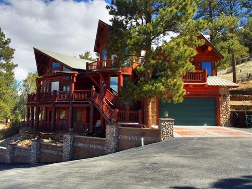 Stunning Mountain Log Home : South Fork : Rio Grande County : Colorado