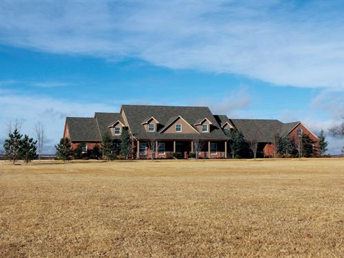 6163 Sq. Ft. Custom Home On Acreage : Thomas : Custer County : Oklahoma