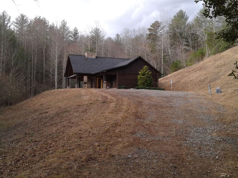 Mountain Lodge At Timber Ridge : Ferguson : Wilkes County : North Carolina