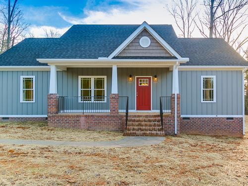 New Home On 10 Acres : Powhatan : Virginia