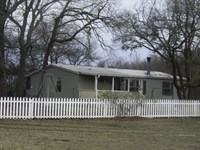 Country Home With Acreage : Gober : Fannin County : Texas