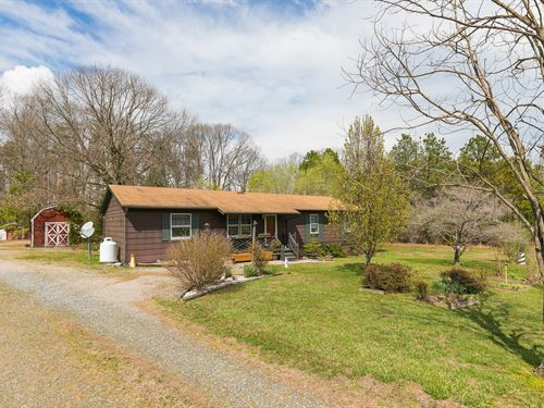 Lovely Ranch Home On 6.9 Acres : Milford : Caroline County : Virginia