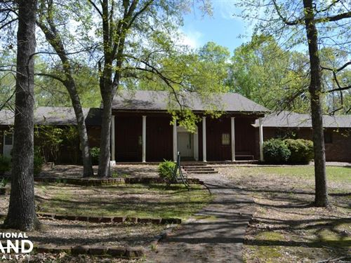 Hunting Lodge & 160+/- Acres Duck A : Hazen : Prairie County : Arkansas
