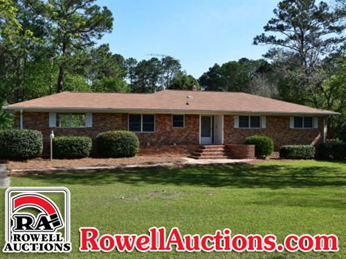 Home On 8+/- Acres : Tifton : Tift County : Georgia