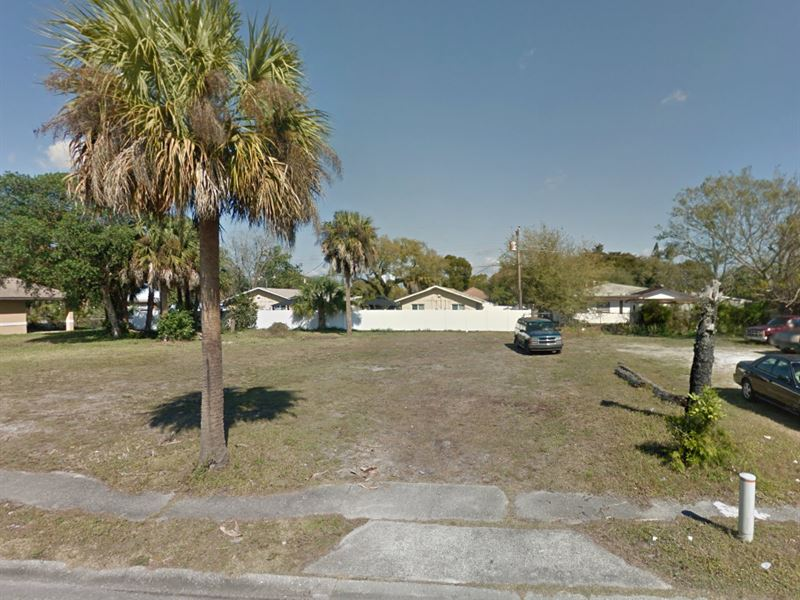 .14 Acres In Fort Myers, FL : Fort Myers : Lee County : Florida