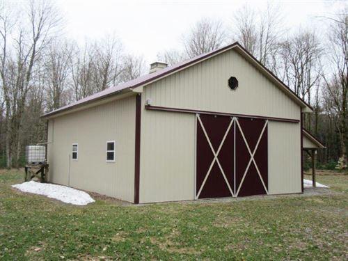 81 Acres Barn Vienna Ny Oneida Lake : Vienna : Oneida County : New York