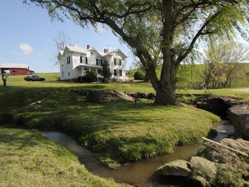 Historic Farmhouse In Blue Ridge : Elk Creek : Grayson County : Virginia