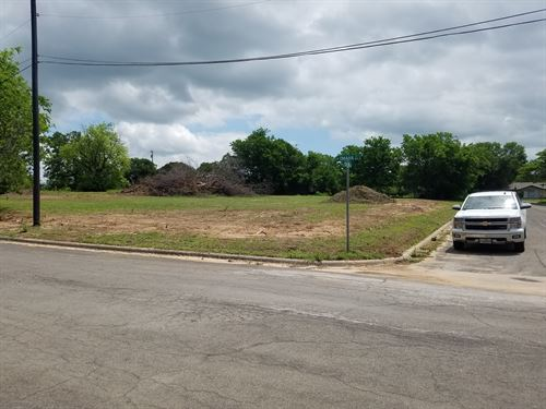 Commercial Lot - Great For Duplexes : Stephenville : Erath County : Texas