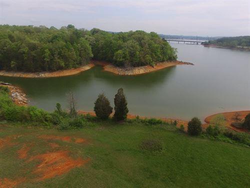 Douglas Lake Front Lot : Dandridge : Jefferson County : Tennessee