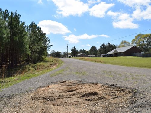 1.35 Acres In Npsd : Summit : Pike County : Mississippi