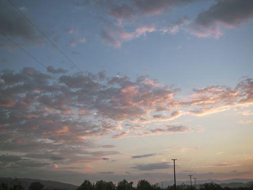 Mountain Views Everywhere : Twentynine Palms : San Bernardino County : California