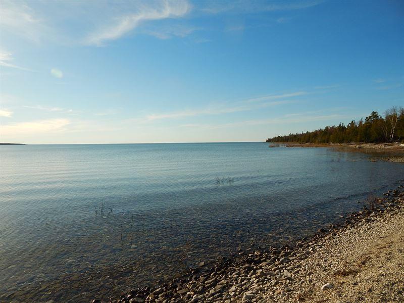 Lake Huron Waterfront : Presque Isle : Presque Isle County : Michigan