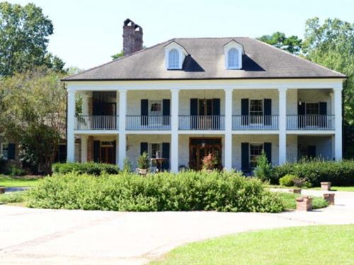 Antebellum Home On 15 Acre Lake : Gloster : Amite County : Mississippi