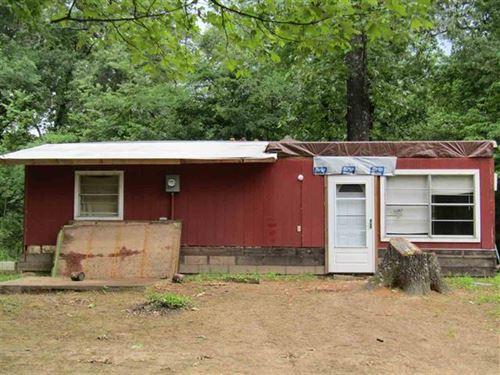 Primitive Cabin On 1.99 Acres : Powderly : Lamar County : Texas