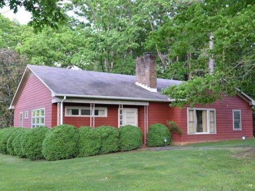 A Happy Home : Buckingham : Virginia
