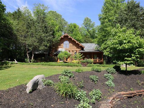 Beautiful Custom Round Log Home : Bloomington : Monroe County : Indiana