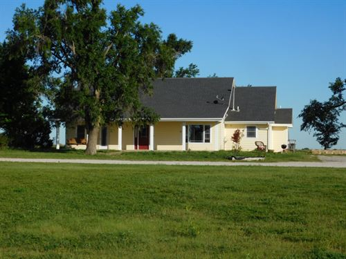 Home With 3 Acres And 2 Great Shops : Helena : Oklahoma County : Oklahoma