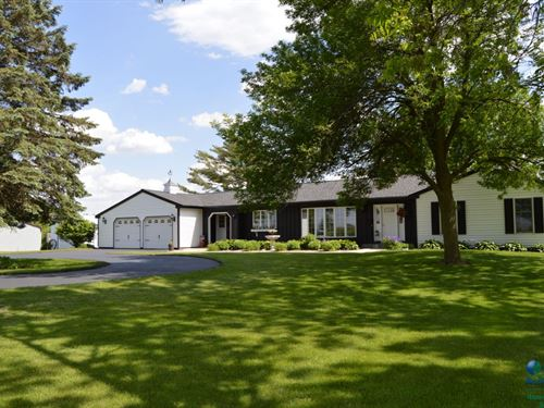 Well Maintained Ranch Home : Portage : Columbia County : Wisconsin