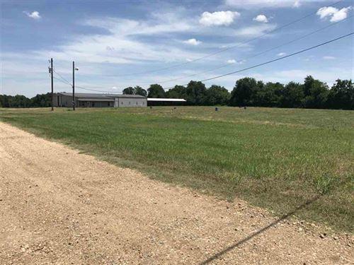 Land With Barns : Brookston : Lamar County : Texas