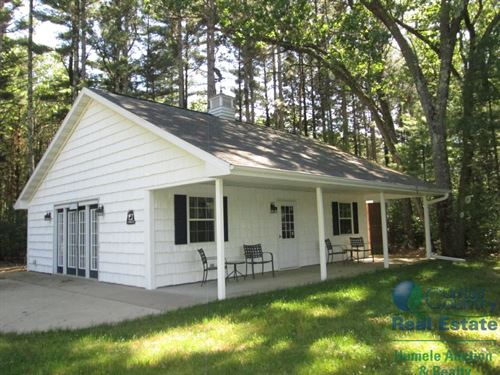 Custom Built Lake Front Cabin : Wild Rose : Waushara County : Wisconsin