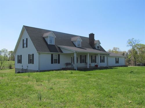 Beautiful 34 Acre Farm With Lake : Hohenwald : Lewis County : Tennessee
