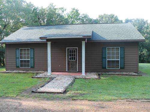 Cabin On 23 Acres W/Barn-Monroe Co : Amory : Monroe County : Mississippi