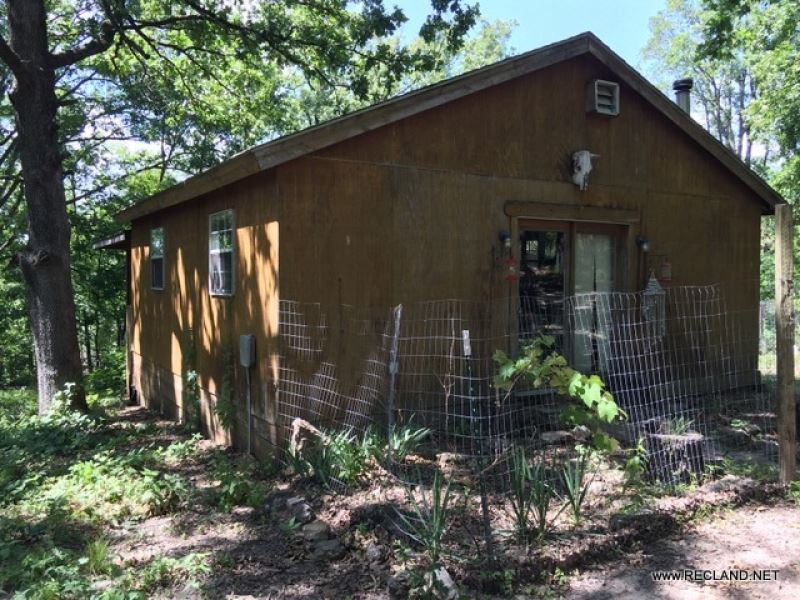 20 Ac - Wooded Tract With Cabin : Gravois Mills : Morgan County : Missouri