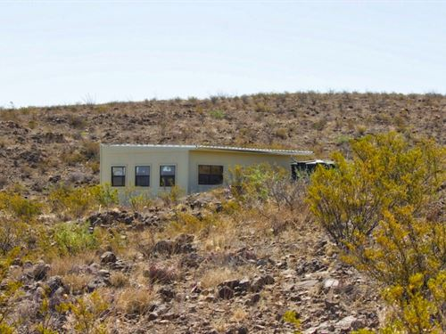 40 Acres With Off Grid Cabin : Terlingua : Brewster County : Texas