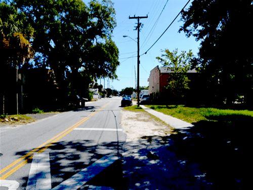 .5 Acres In Daytona Beach, FL : Daytona Beach : Volusia County : Florida