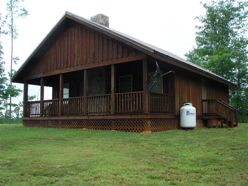 Handcrafted Cabin : Charlotte Court House : Prince Edward County : Virginia