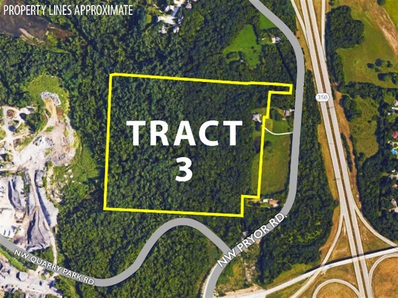 Tract 3 - 1.5 Story Home On Acreage : Lees Summit : Jackson County : Missouri