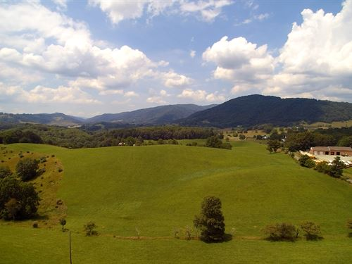 Blue Ridge Mountain Farm : Independence : Grayson County : Virginia