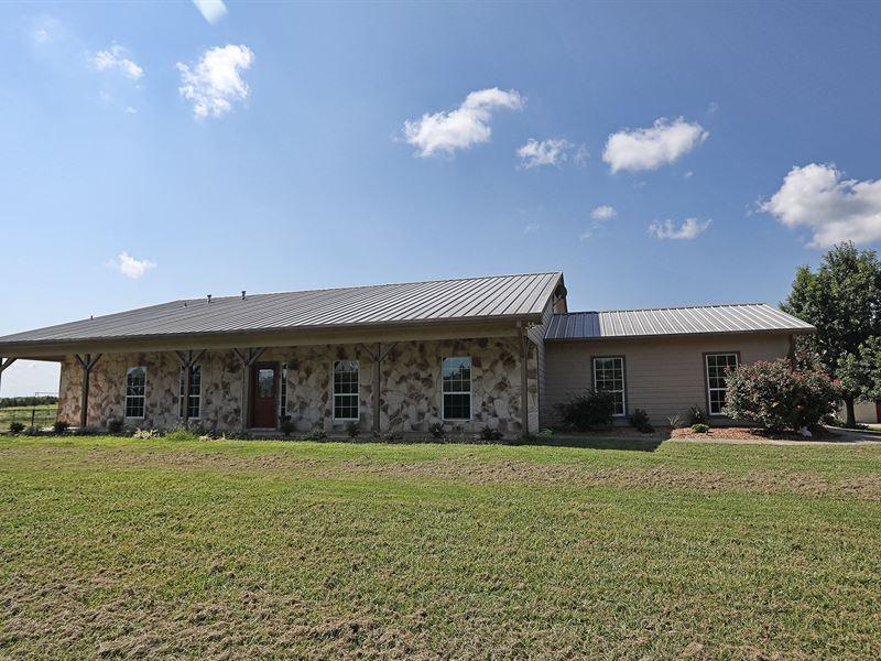 Private Ranch On 40 Acres : Paris : Lamar County : Texas