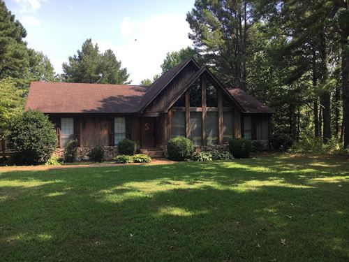 Rustic Home On 3.2 Acres : Medina : Madison County : Tennessee