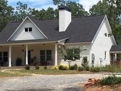 5.235 +/- Ac W/ 4Br/3Ba Modern Farm : Fairmount : Bartow County : Georgia